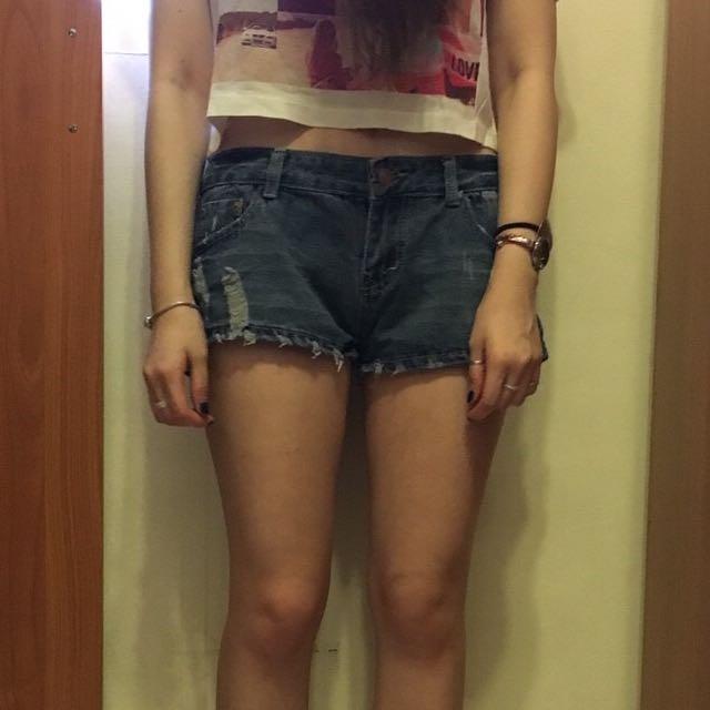 深藍刷色短褲