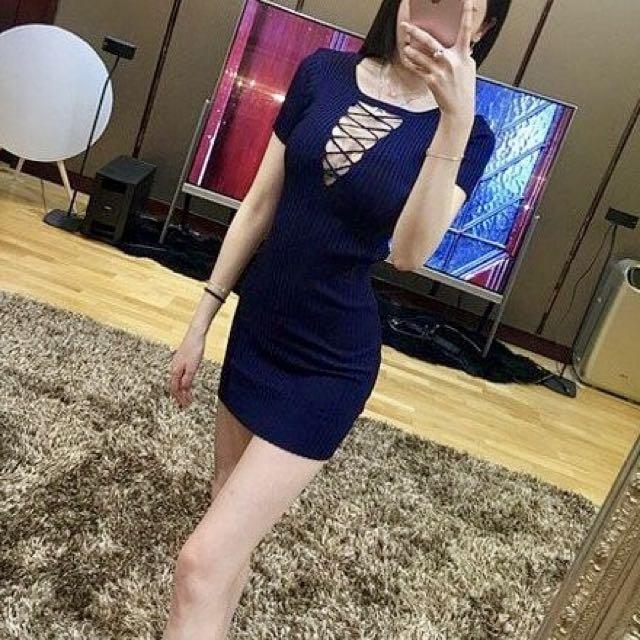 (全新)性感露胸針織包臀連身裙