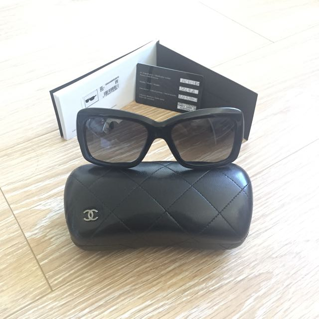 Authentic CHANEL Woman Sunglasses