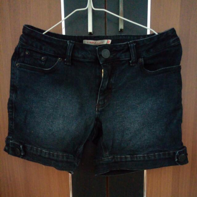 (REPRICE) Black Jeans Hot Pants
