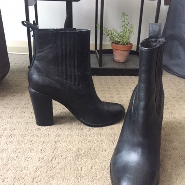 Country Road Boots Size 40