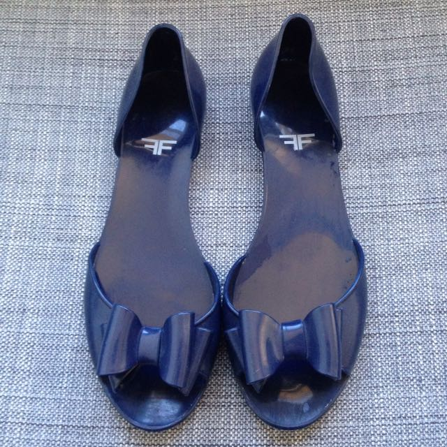 Cute Jelly Flats size 39 in marine blue