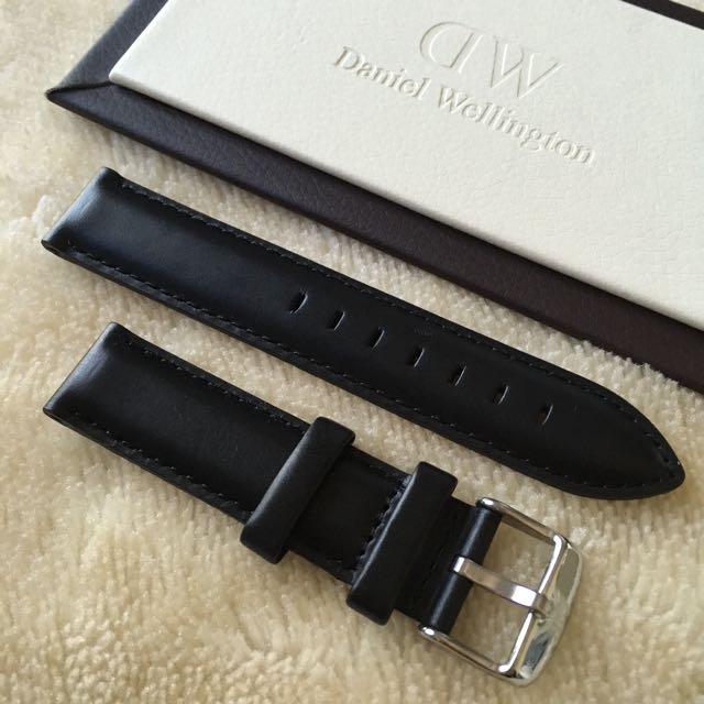 Daniel Wellington Black Leather Strap