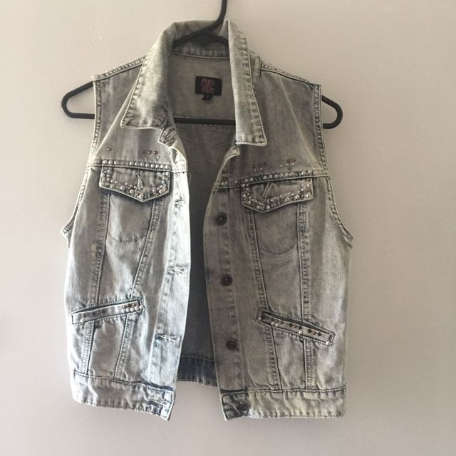 Denim Vest With Studs With Amazing Detail