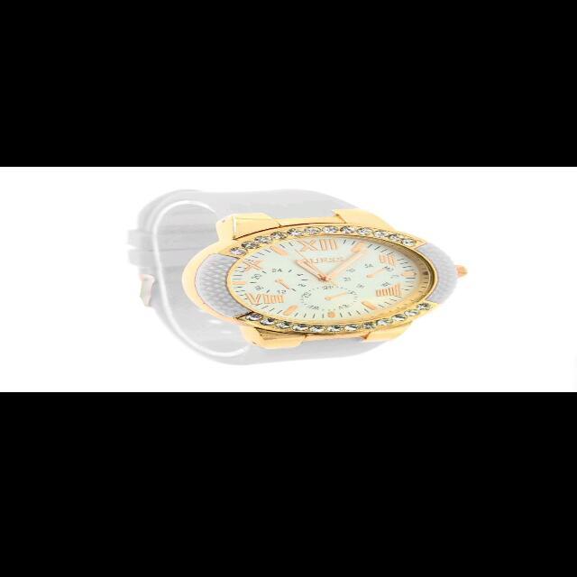 Elegant Case Design  Women's Watch