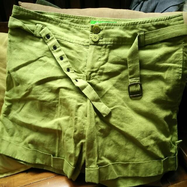 Galoop麻棉短褲M號送韓品黑T  #我的旋轉衣櫃   #短袖上衣   #Galoop #夏季衣物 #短褲