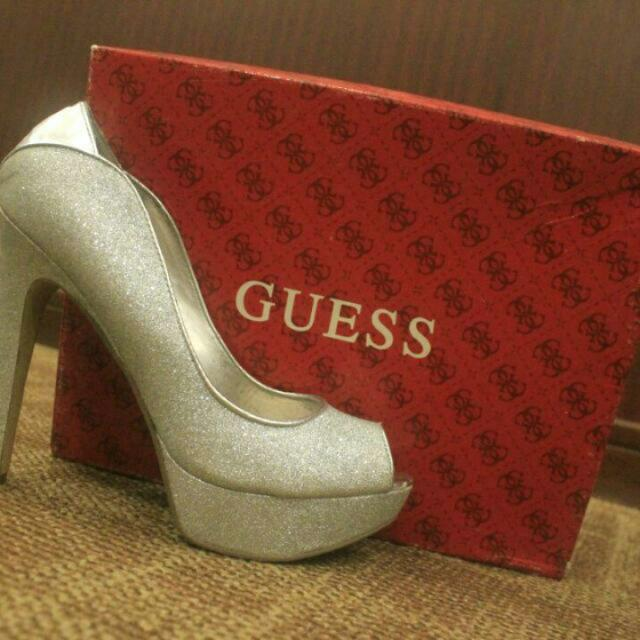 GUESS High Heels #VERYWORTHIT
