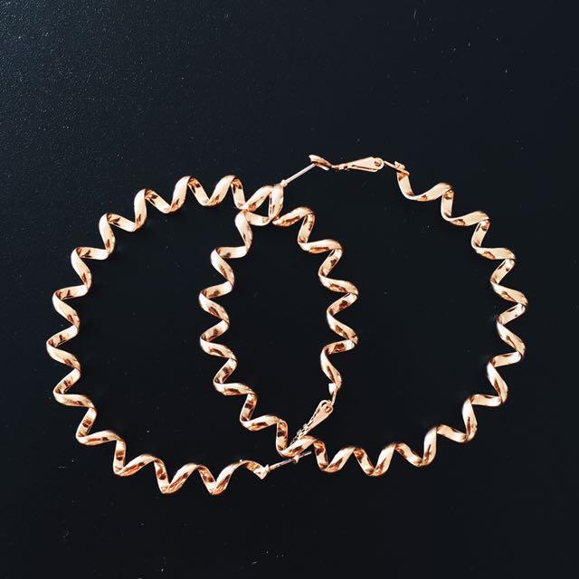 Hula Hoops Twirl Gold Earrings
