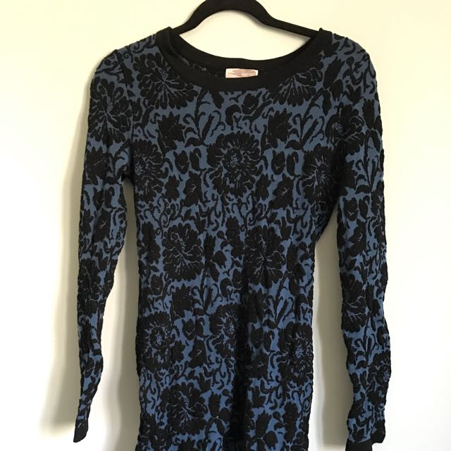 Long Fitted Lace Dress Top