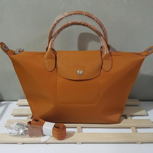 Longchamp Neo Small -- Camel