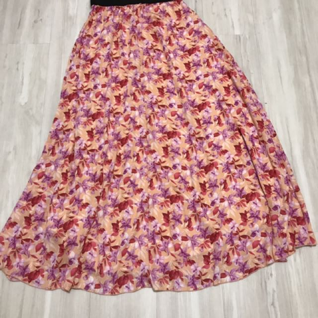 bce6265db Lularoe Lucy Skirt XS, Women's Fashion, Clothes, Pants, Jeans ...