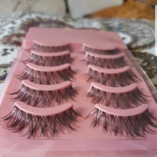 Natural Looking Lashes And Adhesive