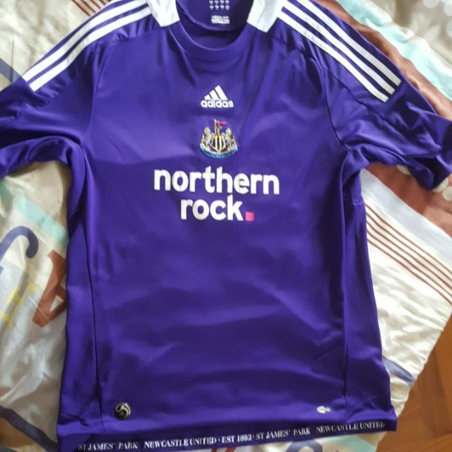 8aa9ebea38a Newcastle United 2008/09 Away Kit M Size, Sports, Sports Apparel on  Carousell
