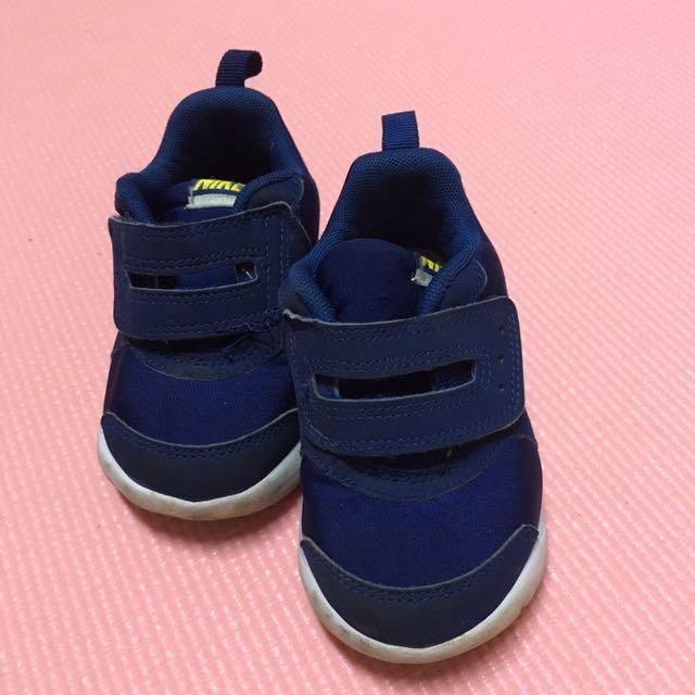 Nike 童鞋