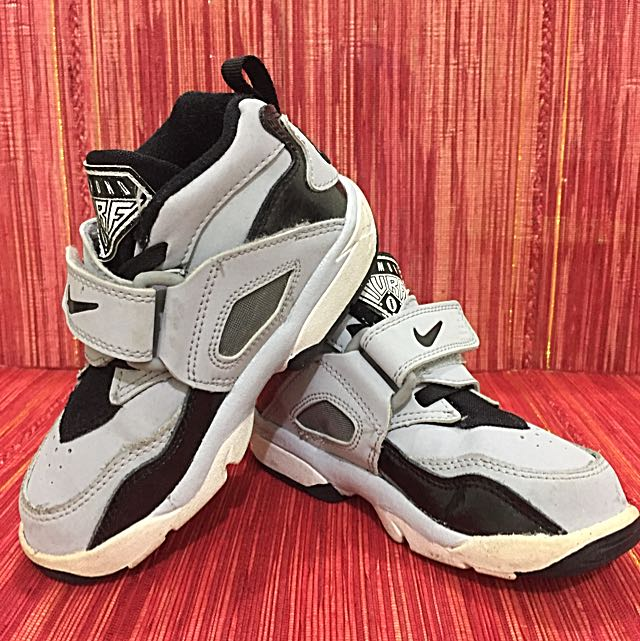 Nike Air Diamond Turf Toddler Sneaker