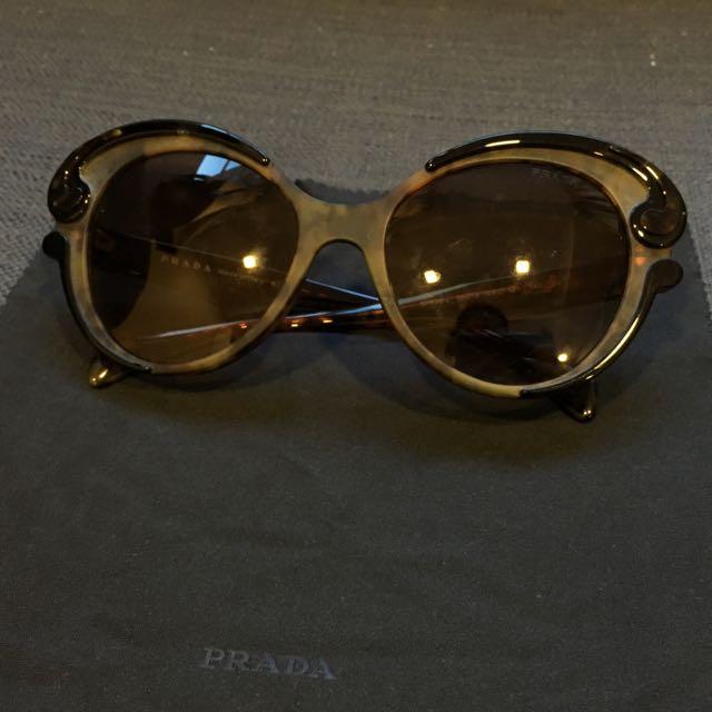 e4c5ffa6f67b ... top quality prada baroque cats eye sunglasses luxury accessories on  carousell 53ee0 56810