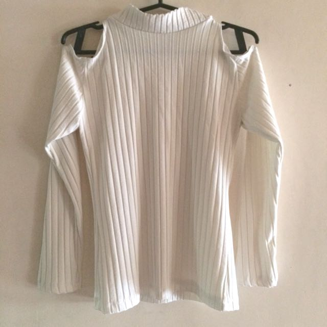Ribbed Cold Shoulder LS Top