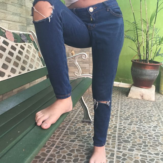 Ripped jeans by zara women