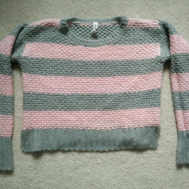 Stripped Knitted Sweater - Small