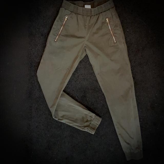 Subtitled Khaki Pants Size 6