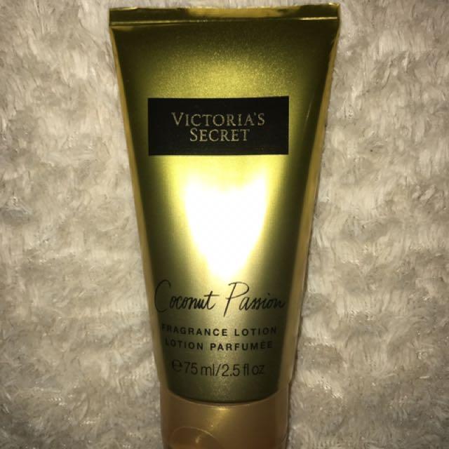 a2d43603cd8 Victoria s Secret - Coconut Passion Fragrance Lotion