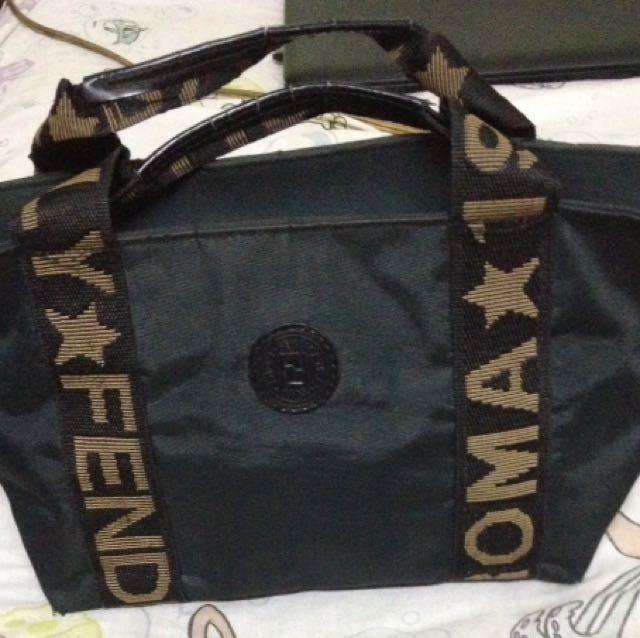 Vintage Fendi Roma Hand Bag b3bfca7d8da8e