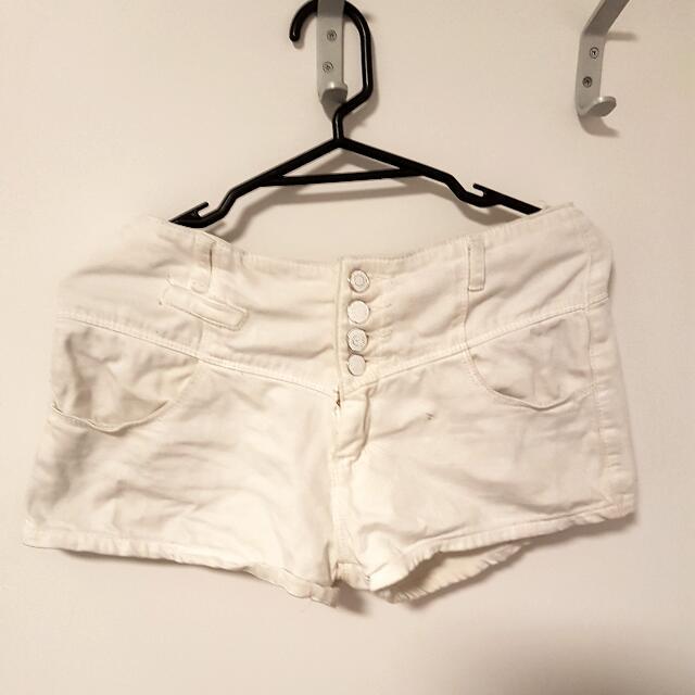 white shorts (Korean)