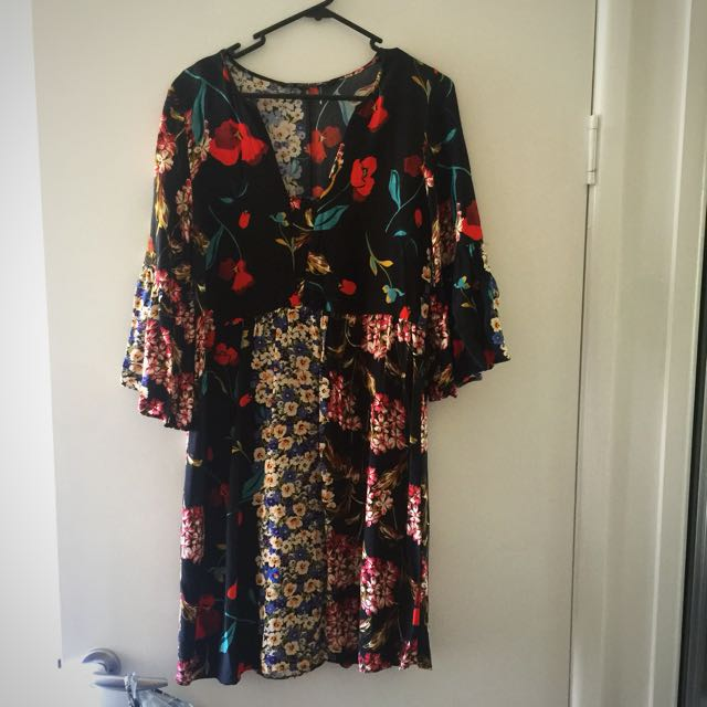 Zara Floral Black Dress With Flared Sleeves