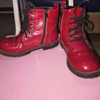 red boots-sugar kids