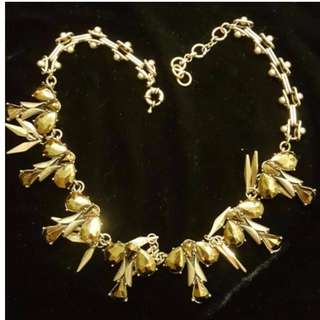 Sale! - Leaves Motif Necklace (20% off listed price if purchased confirmed before 4th)