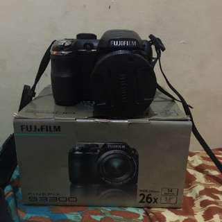 FUJIFILM FINEFIX S33000