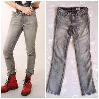 (Reduce!)Wrangler Jane 708 Skinny Jeans