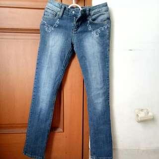 """Celana Jeans Wanita """"Guess"""" Size 26"""