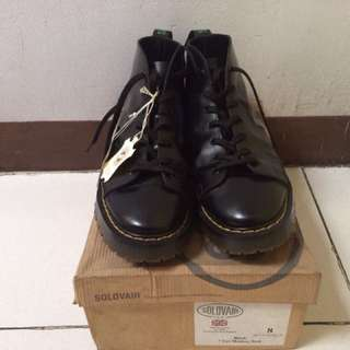 Solovair MIE (Made in England) Black 7-eye Monkey Boot