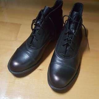 全新 女款黑短靴 39碼