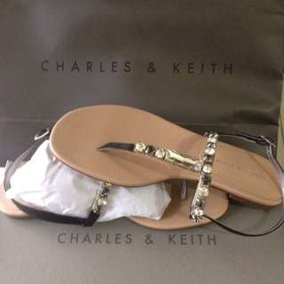 Sendal Charles & Keith (was 619.000)