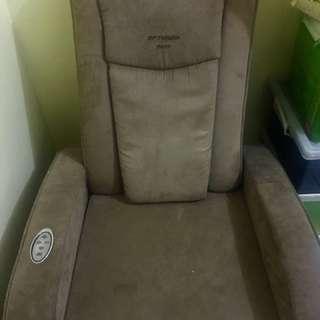 OPTIMUM Nova Massage Chair
