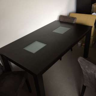 Dining Table Plus 4 Chairs( 1 Is Broken)