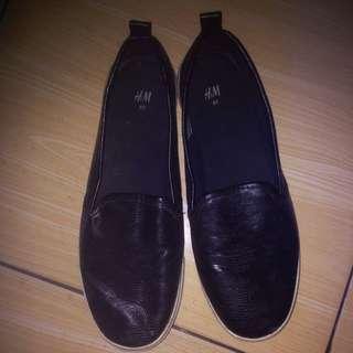 H&M black slip on