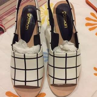 Brand New Gorman Mid Heels :)