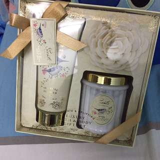 Lovely Lace Bath & Body Set