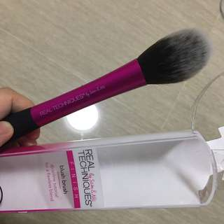 INSTOCKS! AUTHENTIC* REAL TECHNIQUES BLUSH BRUSH #UOBPAYNOW