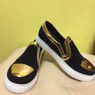 Black and Gold Slip-on