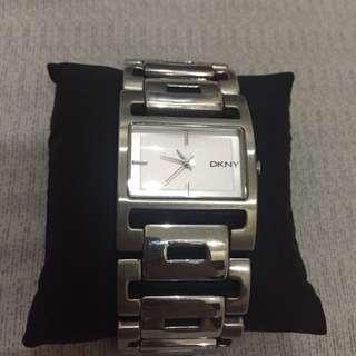 Jam Tangan DKNY