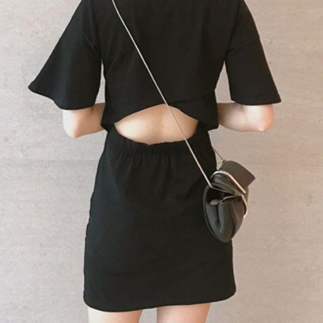 純色黑色荷葉袖連身裙露背露腰洋裝