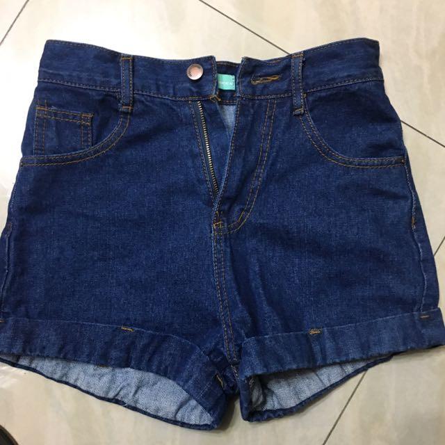 全新の牛仔短褲