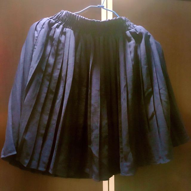 深藍色百褶褲裙