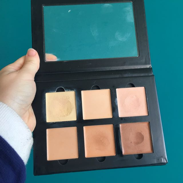 ANASTASIA BEVERLY HILLS- Cream Contour Kit