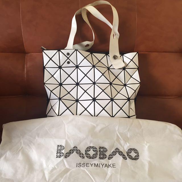 Baobao Isseymiyake Bag