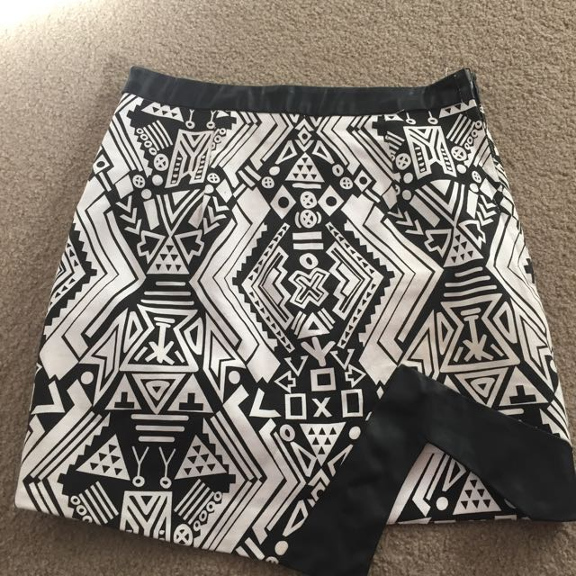 Black & White Skirt With Side Zip